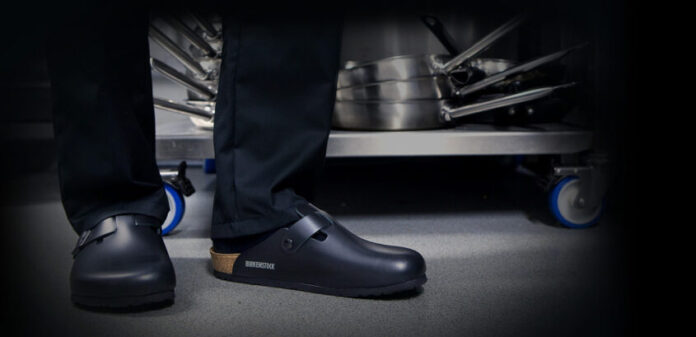 Top 3 Best Kitchen Shoes 2020 - Buying